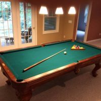 Deluxe Pool Table
